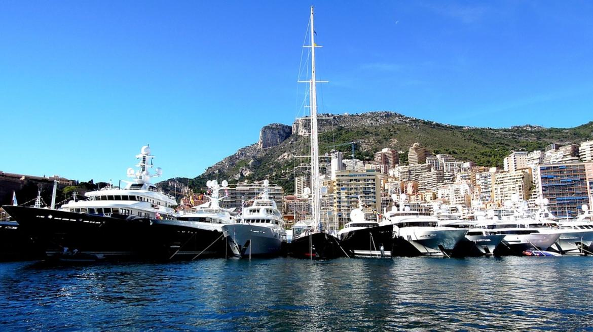 Yacht Crew Luxembourg: And More Inequal / Data News